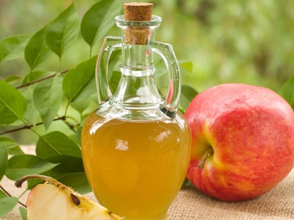 Apple cider vinegar for pimples in nos
