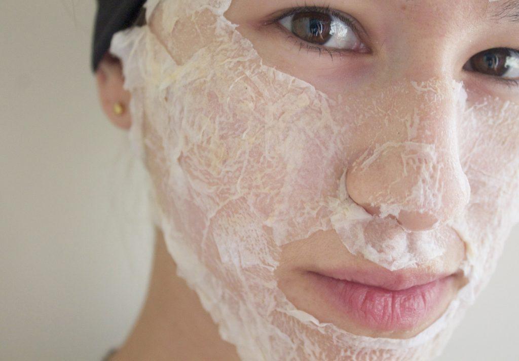 Egg whites and lemon juice for acne scars