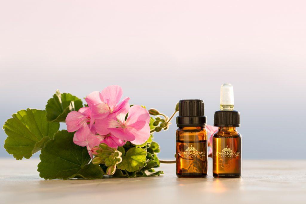 Geranium essential oil for Shingles