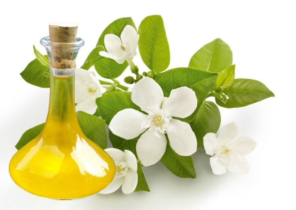 Neroli essential oil for stretch marks
